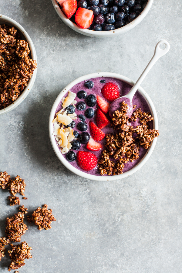 Acai Bowls with Crispy Buckwheat Cocoa Clusters | The Full Helping