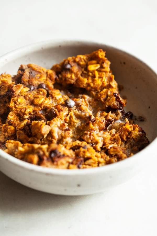 Vegan Pumpkin Chocolate Chip Baked Oatmeal