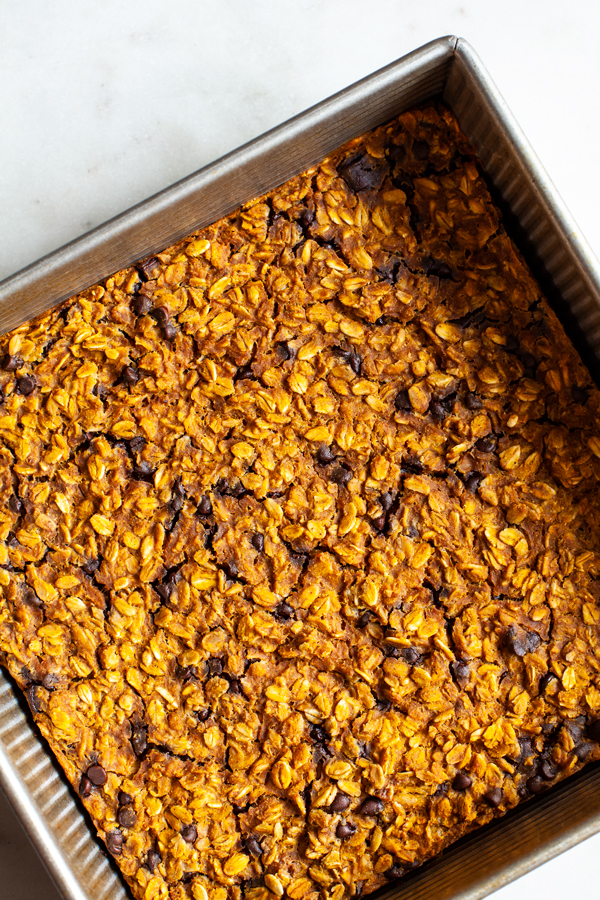Vegan Pumpkin Chocolate Chip Baked Oatmeal | The Full Helping